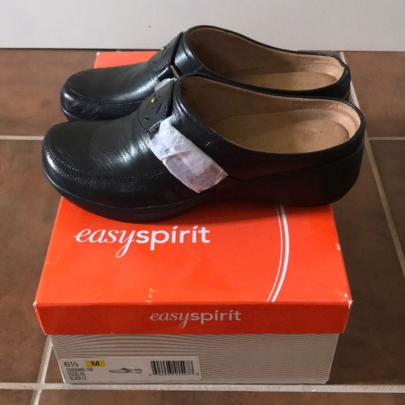 Brand New Easy Spirit Leather Mule